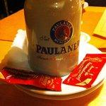 Так здесь подаются знаменитые белые Мюнхенские колбаски