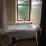 Great spa tub!