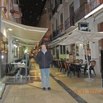Em frente ao Hotel Navas