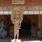 Front entryway statute
