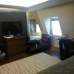 Apr 14 - spacious room