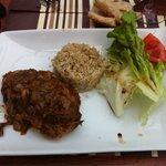 Poulet yassa, c était délicieux , le riz un vrai délice , je vous conseil ce plat sans hésiter.
