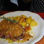 Tagliata di Chianina Gratinata e Patate al Forno