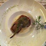 Medaglioni di maiale con carciofo e salsa al gorgonzola.