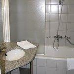 Hotel Jezero - bathroom/shower