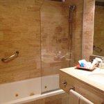 Regadera y baño