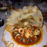 Zuppa di pesce in crosta