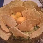 nachos con guacamole 4.5 €