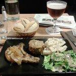 Plato del dia _ costilla porc con pastel patata / esparragos
