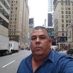 En la calle en las afueras del hotel