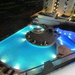 piscina a noite
