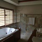 Salle de bains de la suite 5