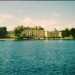 Si naviga verso Drottningholm.