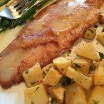 Peixe c/ batatas, nirá e pupunha