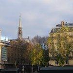 Вид на шпиль Сент-Шапель.