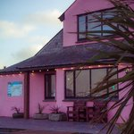Bowgie Inn - The Pink Pub