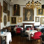 Elegant dining room at 5 Rooms Restaurant