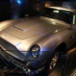 Auto tipo James Bond