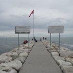 Um dos piers que avançam no Mar Adriático