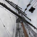 Soren Larsen's mast