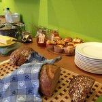 Brote und hausgemachte Konfitüren