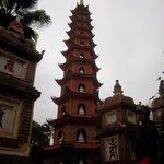 Tran Quoc Pagoda West Lake
