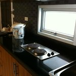Basic kitchenette with cooking facility