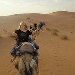 La mejor noche d mi vida.. un viaje en dromedario con ascenso a la gran duna y viendo las estrel