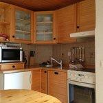 la cucina attrezzatissima e in tipico stile