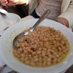 Delicious starter: white beans