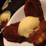 Warm cinnamon bread with ice cream. Yum yum.