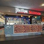 Phillips Seafood Newark Entrance