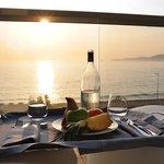 Coucher de soleil sur notre terrasse et plateau d'accueil
