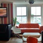 lounge/ bar area