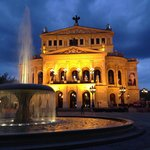 Old Opera no início da noite... Simplesmente belíssima!