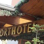 Schriftzug Hoteleingang
