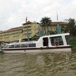 Hotel from river & speed boat to Cambodia