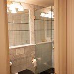 Room 812 Bathroom