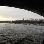 Sous un pont
