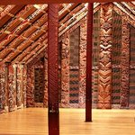 Auckland Museum - Maori cultural performance and tour by museum guide