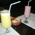 Batido de fresa y zumo de manzana y limón