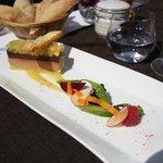 l'entremet de foie gras au boudin noir et aux pommes caramélisées