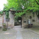 Ingresso dell'ex monastero