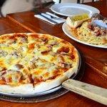 Pizza & pasta at Pizza Volante in Camp John Hay