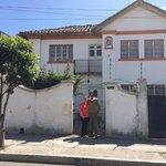 El frente de La casa de la gringa / Annie y Fausto : sus anfitriones