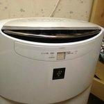 お部屋に設置してある空気清浄機/Air cleaners in dormitories