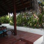 """La vue """"sur mer"""" de la terrasse de quasi tous les bungalows"""