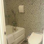 浴室&トイレは広くてきれい!