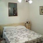 Room 101 / Chambre 101 (a coté de la 9 au RDC)