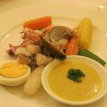 Mediterranean Steamed fish and shellfish in garlic sauce